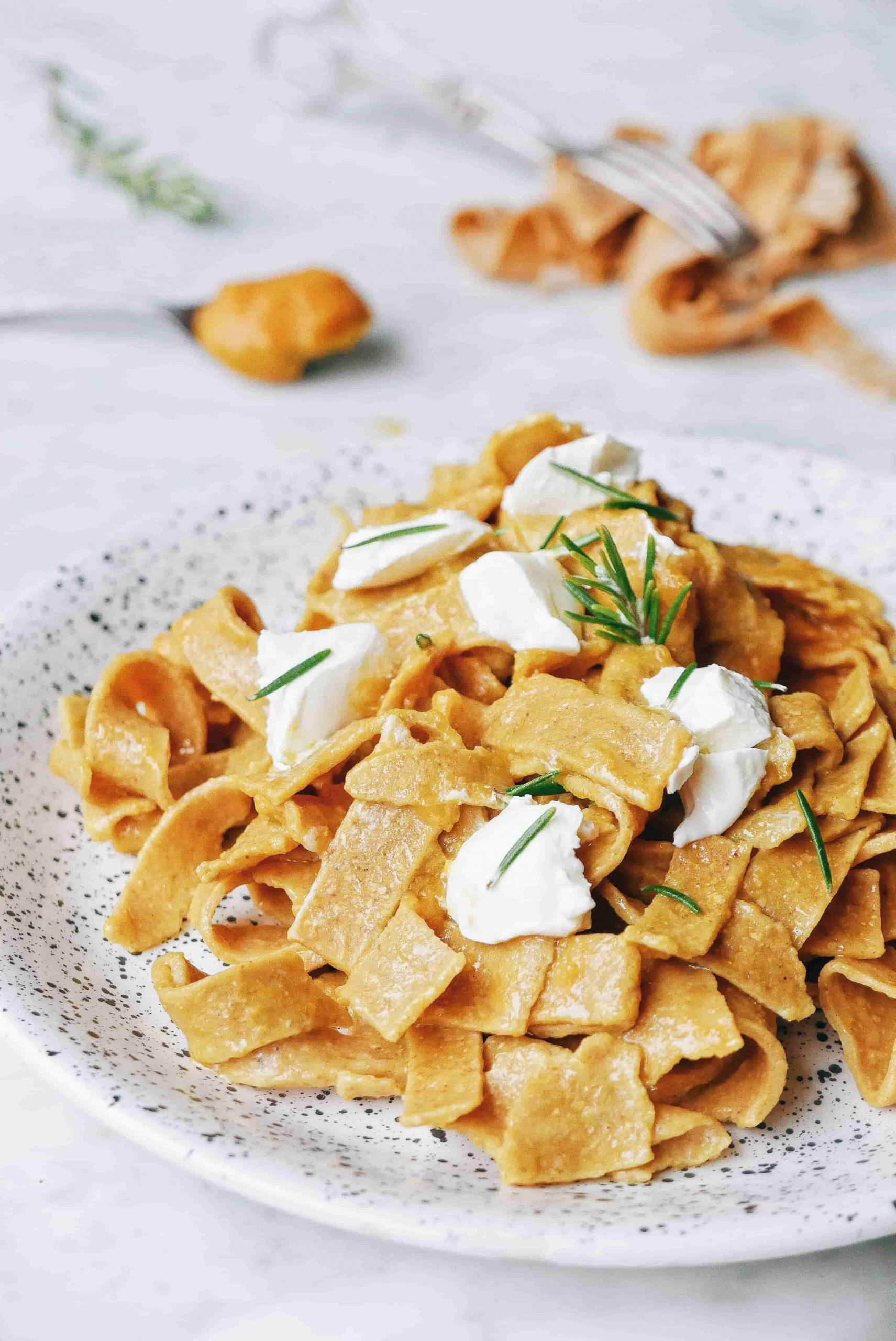 recette tagliatelles saines farine de pois chiche sans gluten curry et romarin frais